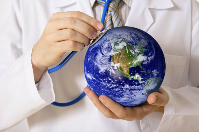 Traveling-Doctor-Pros-and-Cons-of-the-Locum-Tenes-Physician